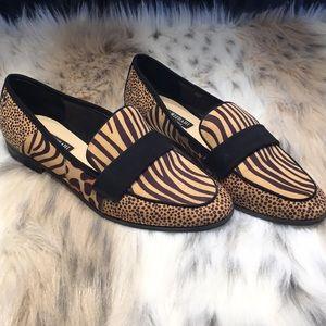 Isaac Mizrahi animal print like new loafers 8.5